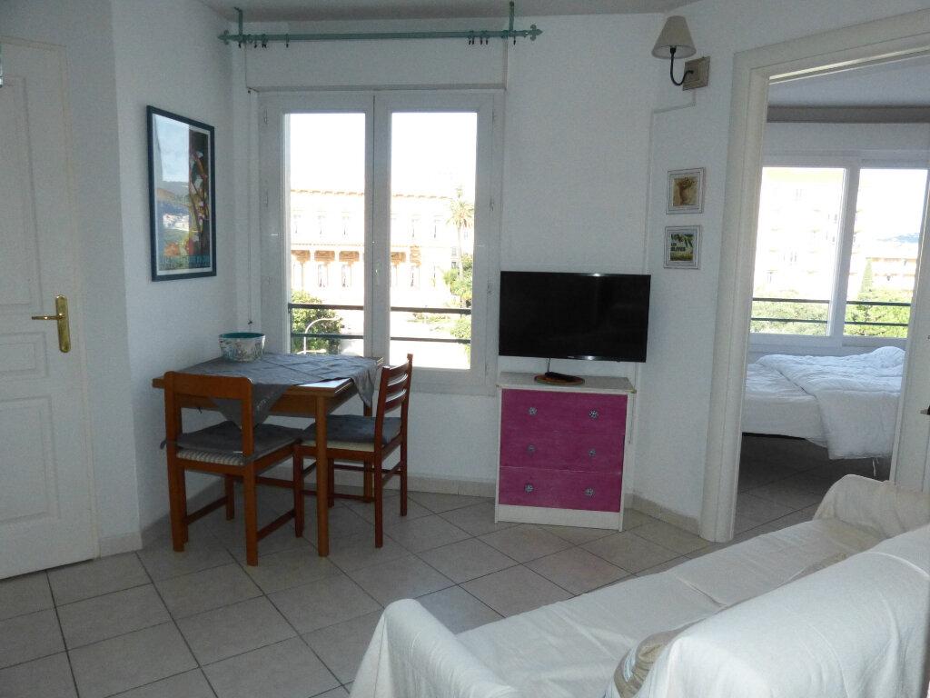 Appartement à louer 2 26.41m2 à Nice vignette-8