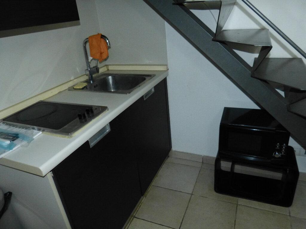 Appartement à louer 1 17.88m2 à Nice vignette-5
