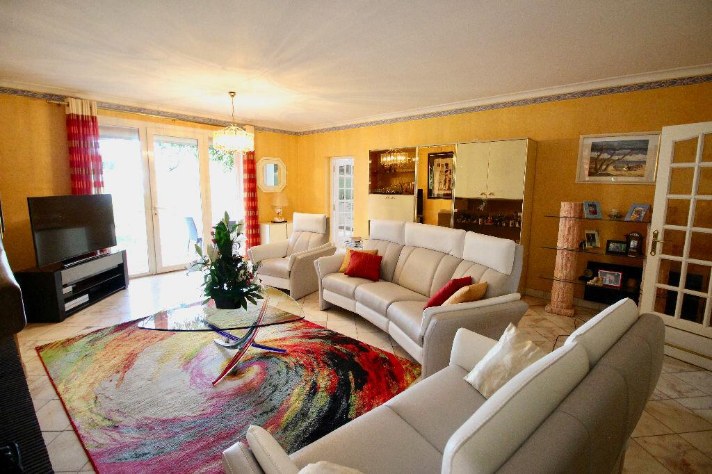 Maison à vendre 8 260m2 à Poussan vignette-3