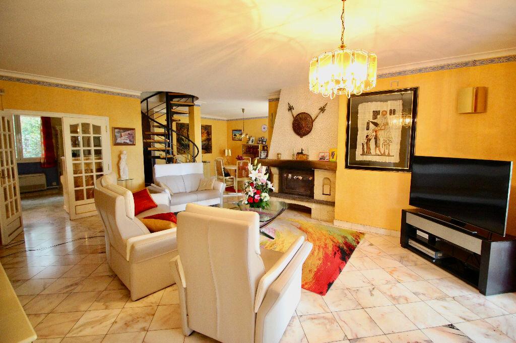 Maison à vendre 8 260m2 à Poussan vignette-6