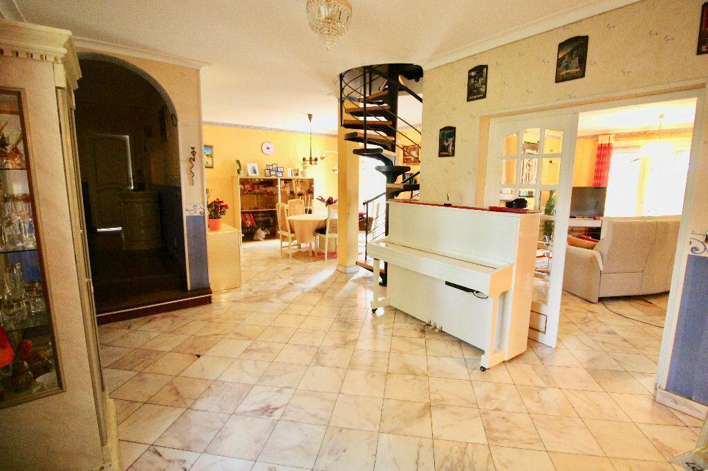Maison à vendre 8 260m2 à Poussan vignette-8