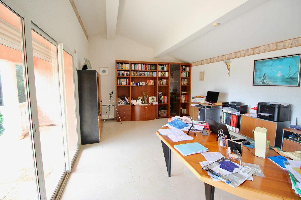 Maison à vendre 8 260m2 à Poussan vignette-10