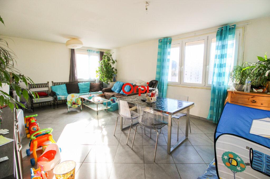 Appartement à vendre 3 72m2 à Sète vignette-2