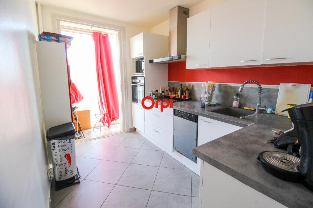 Appartement à vendre 3 72m2 à Sète vignette-3