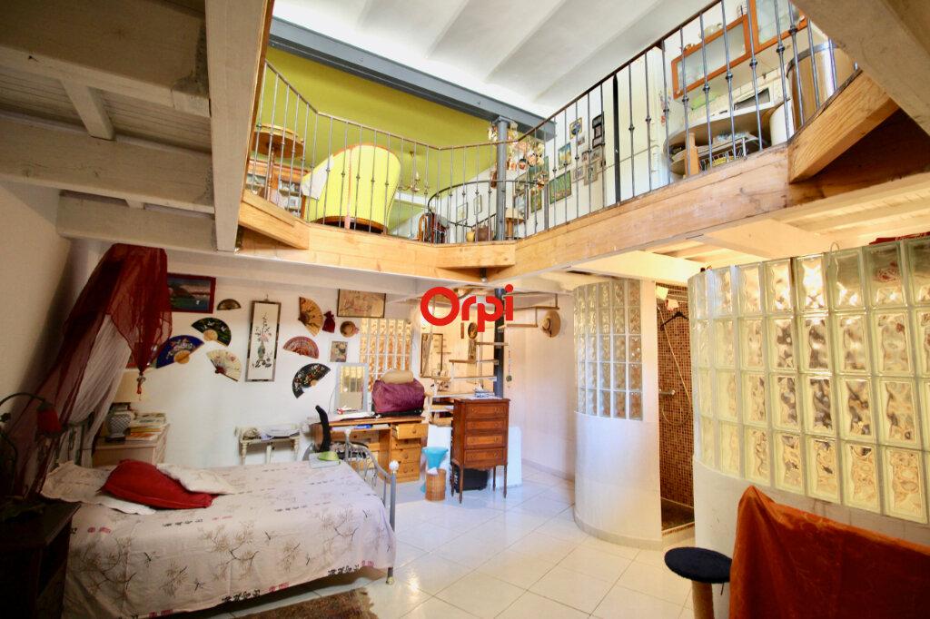 Appartement à vendre 3 80m2 à Sète vignette-11