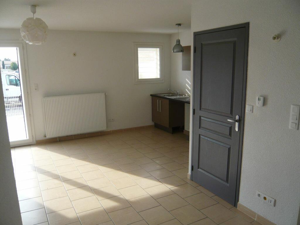 Maison à louer 3 62.7m2 à Lignan-sur-Orb vignette-3