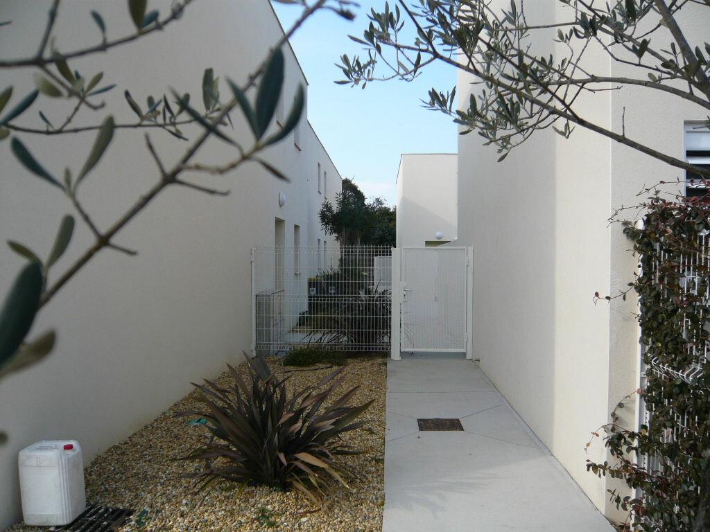 Maison à louer 3 62.7m2 à Lignan-sur-Orb vignette-4