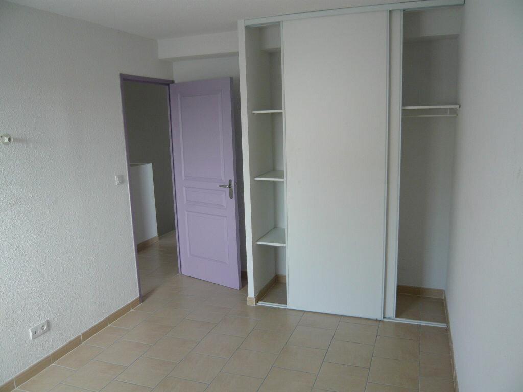 Maison à louer 3 62.7m2 à Lignan-sur-Orb vignette-5