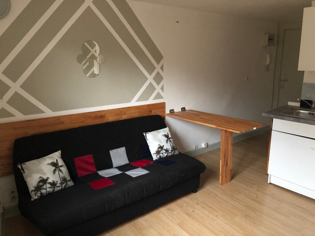 Appartement à louer 1 20m2 à Limoges vignette-1