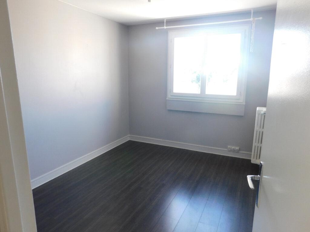 Appartement à louer 3 68m2 à Limoges vignette-5