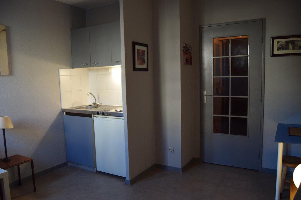 Appartement à louer 1 19m2 à Limoges vignette-3