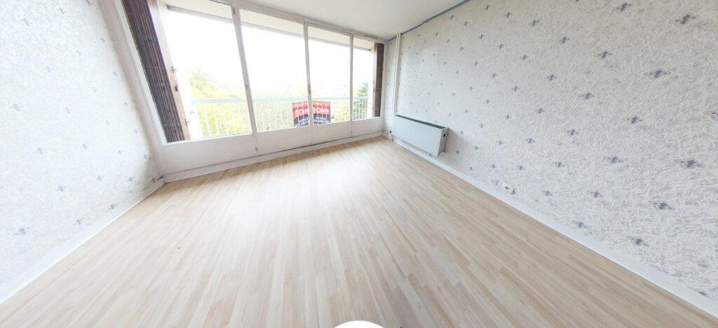 Appartement à vendre 3 67.77m2 à Limoges vignette-3