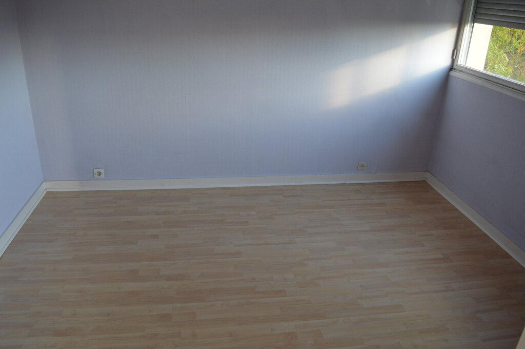 Appartement à vendre 3 67.77m2 à Limoges vignette-5