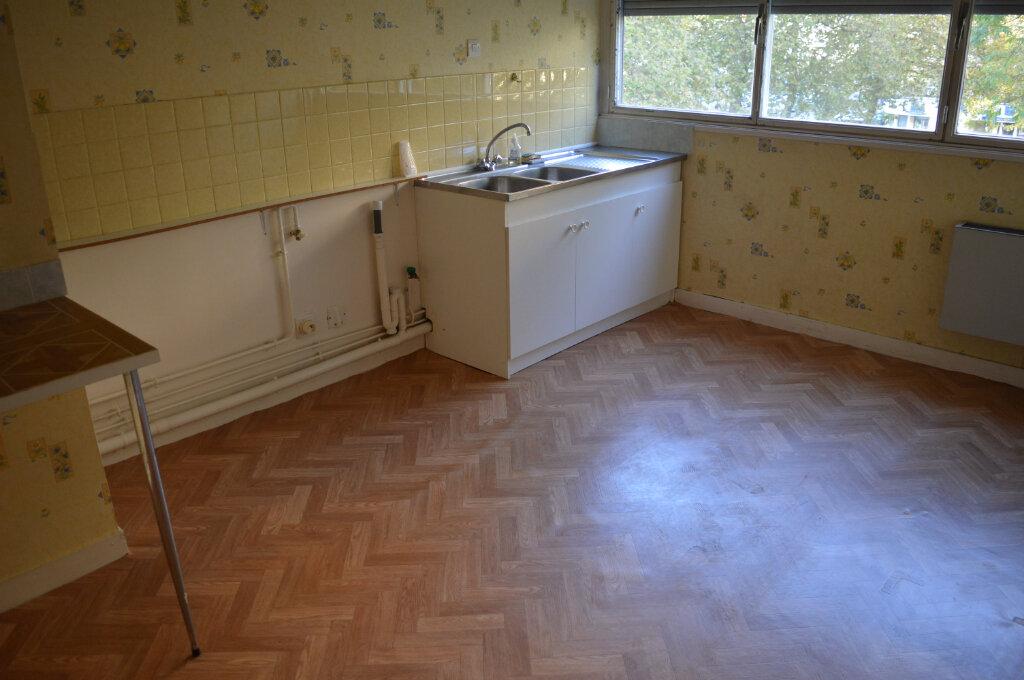 Appartement à vendre 3 67.77m2 à Limoges vignette-7