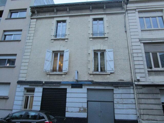 Immeuble à vendre 0 306m2 à Limoges vignette-1