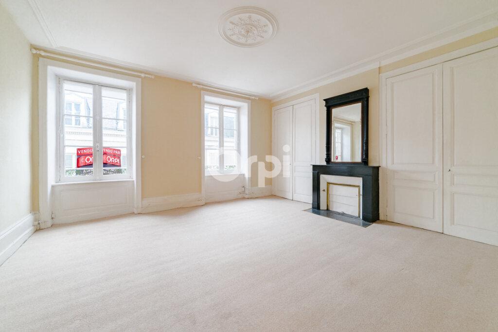 Appartement à vendre 5 120.74m2 à Limoges vignette-5