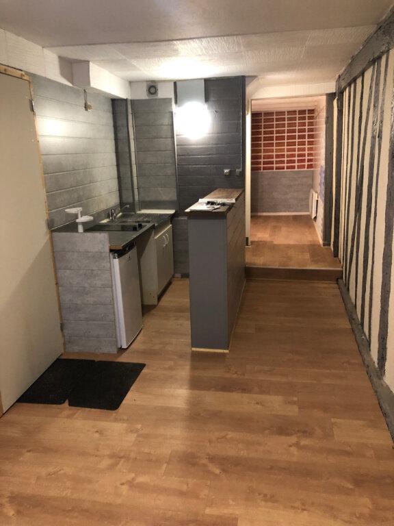 Appartement à louer 1 30.79m2 à Limoges vignette-2