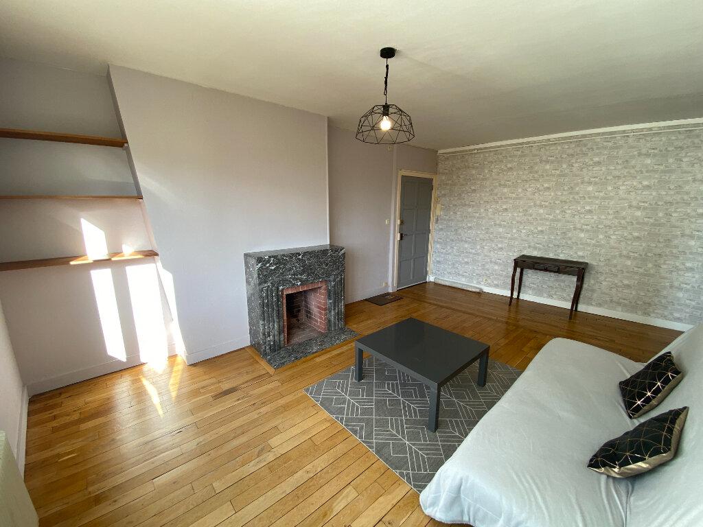 Appartement à louer 2 49.41m2 à Limoges vignette-2