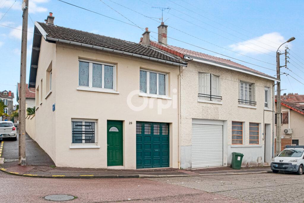 Maison à vendre 4 111.21m2 à Limoges vignette-1