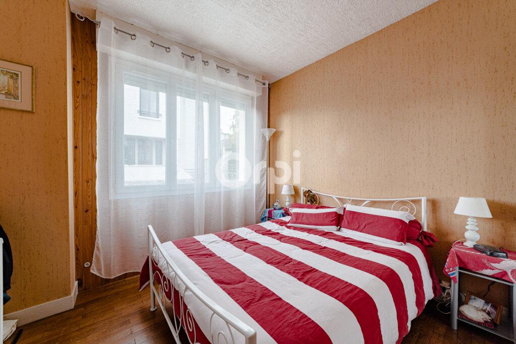 Maison à vendre 4 111.21m2 à Limoges vignette-11