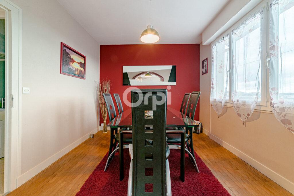 Maison à vendre 4 111.21m2 à Limoges vignette-12