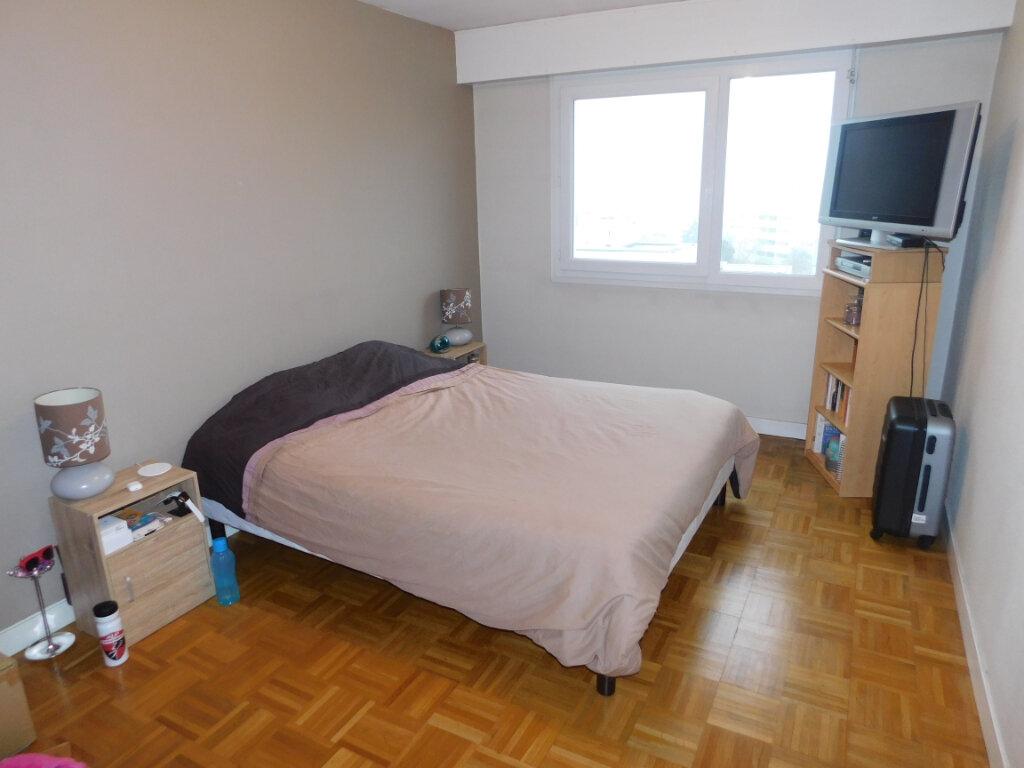 Appartement à louer 3 65m2 à Limoges vignette-5
