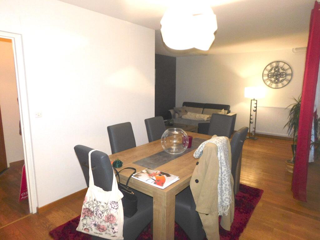 Appartement à louer 3 73m2 à Limoges vignette-4