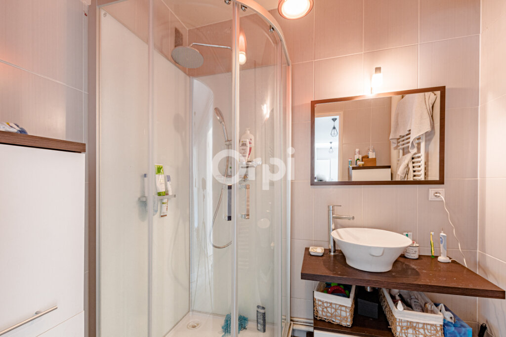 Appartement à vendre 5 108m2 à Limoges vignette-8