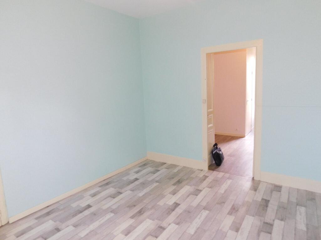 Appartement à louer 1 32m2 à Panazol vignette-3