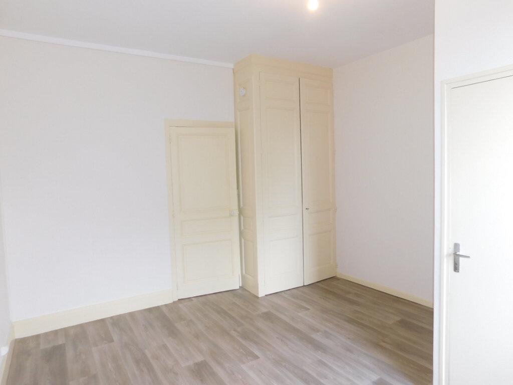 Appartement à louer 1 32m2 à Panazol vignette-5