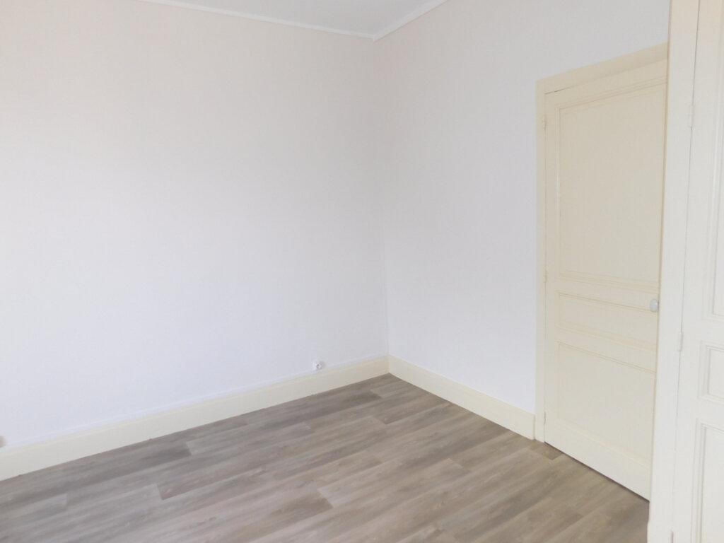 Appartement à louer 1 32m2 à Panazol vignette-6