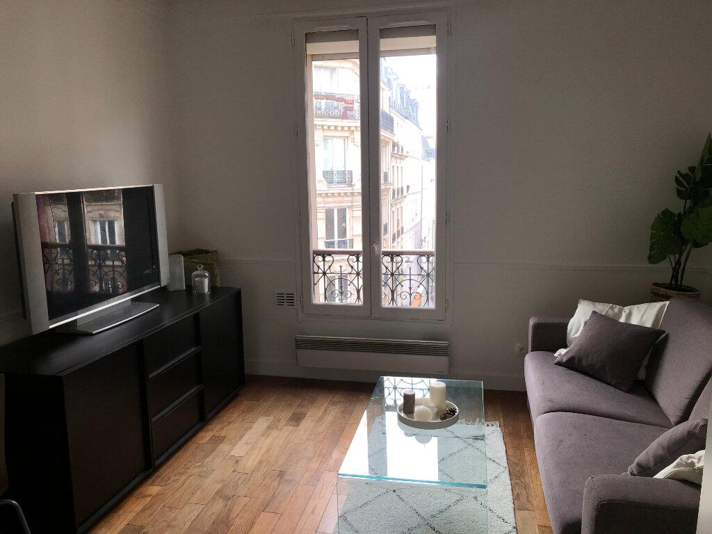 Appartement à louer 2 29m2 à Paris 19 vignette-1