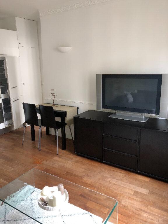 Appartement à louer 2 29m2 à Paris 19 vignette-2