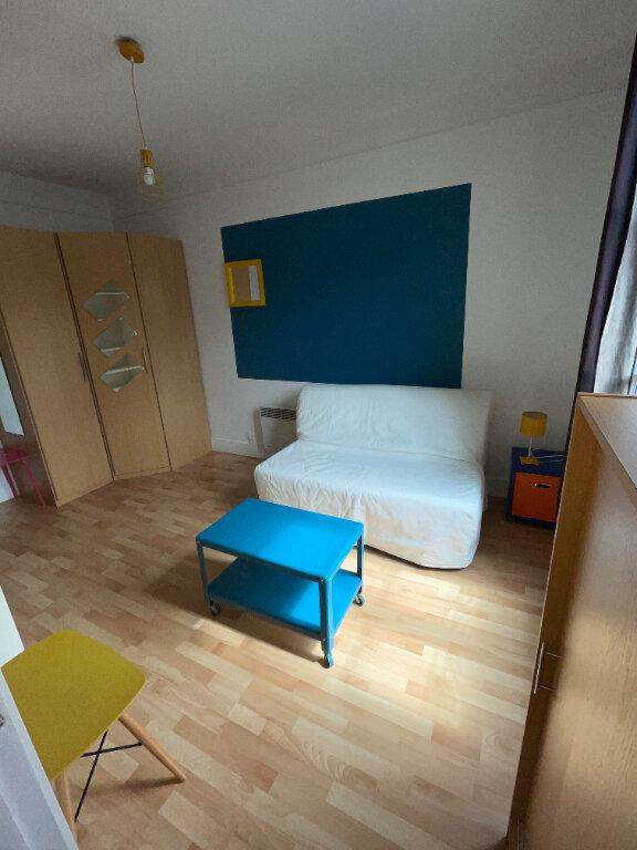 Appartement à louer 1 20m2 à Paris 10 vignette-2