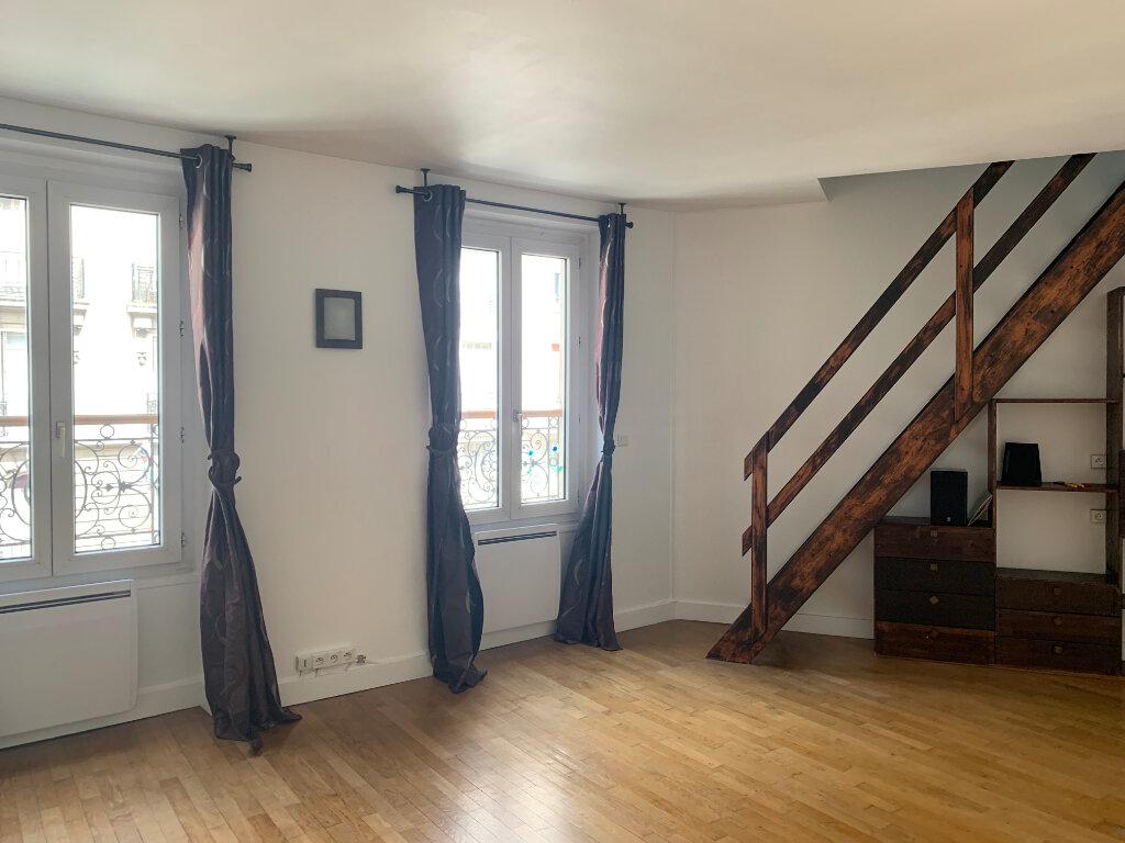 Appartement à vendre 3 69.26m2 à Paris 10 vignette-1