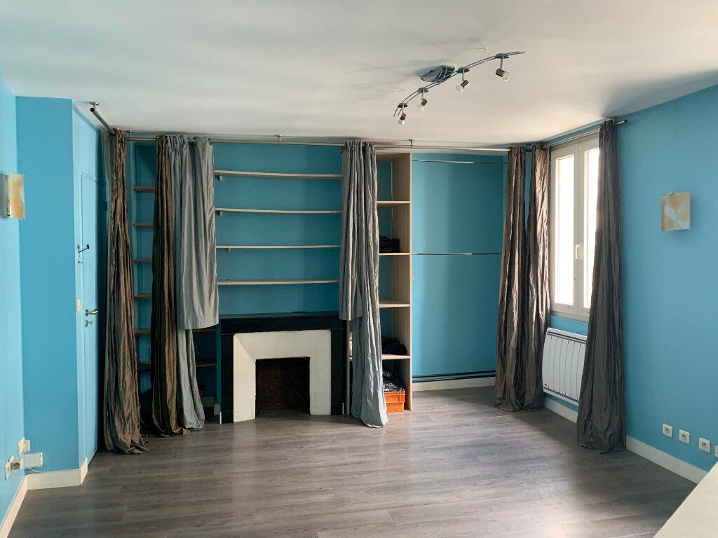Appartement à vendre 3 69.26m2 à Paris 10 vignette-4