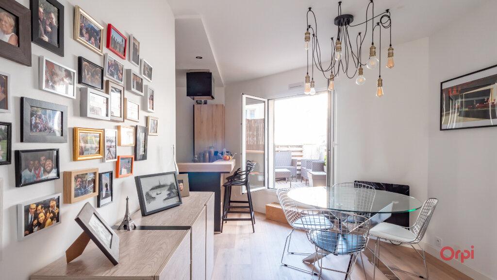 Appartement à vendre 2 56m2 à Paris 10 vignette-1