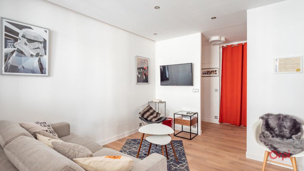 Appartement à vendre 2 56m2 à Paris 10 vignette-3