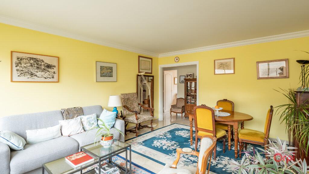 Appartement à vendre 3 72m2 à Paris 10 vignette-3