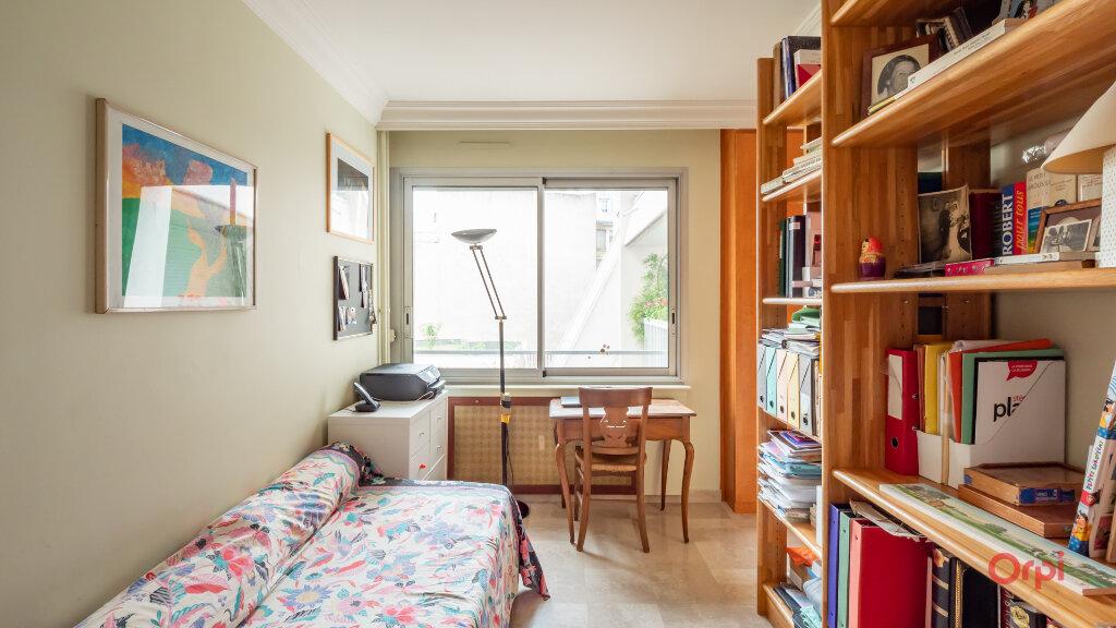 Appartement à vendre 3 72m2 à Paris 10 vignette-5