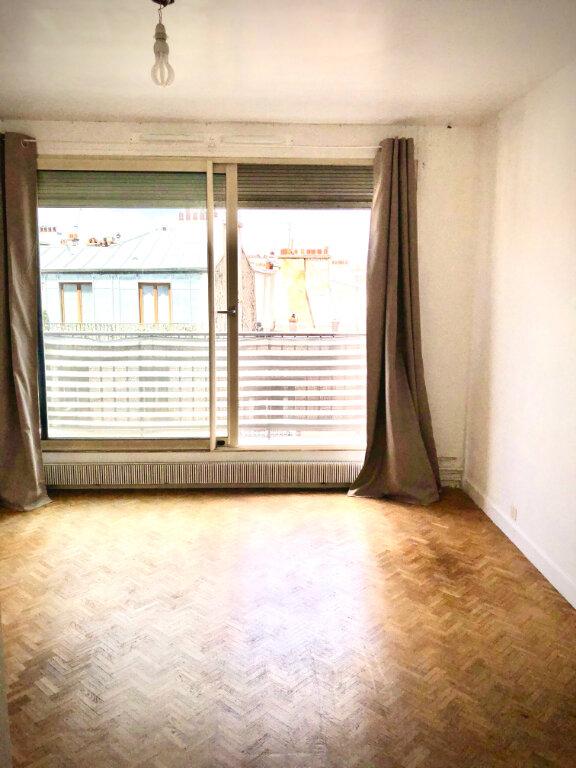 Appartement à louer 1 28.28m2 à Paris 11 vignette-2