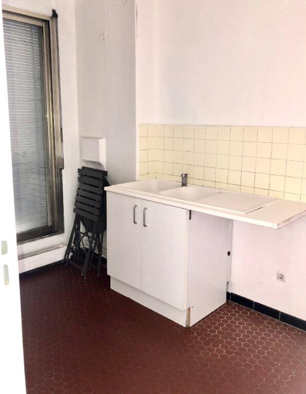 Appartement à louer 1 28.28m2 à Paris 11 vignette-3