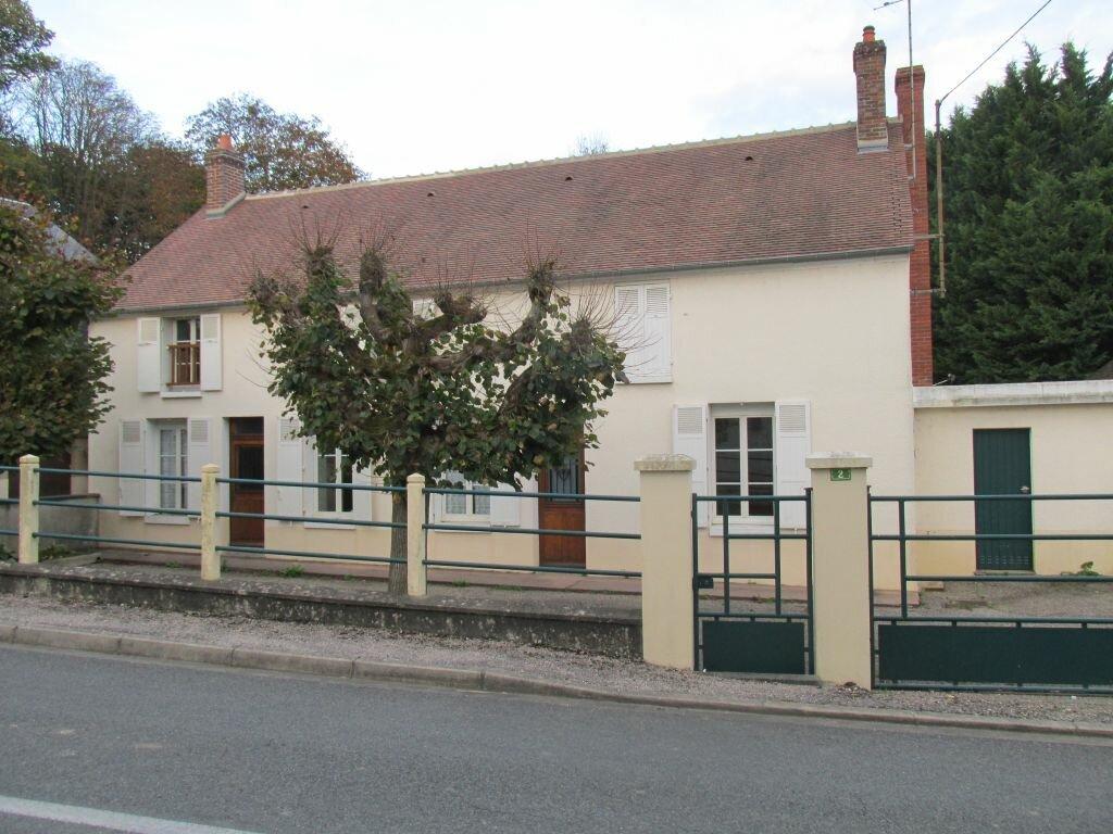 Maison à louer 6 124m2 à Triguères vignette-1