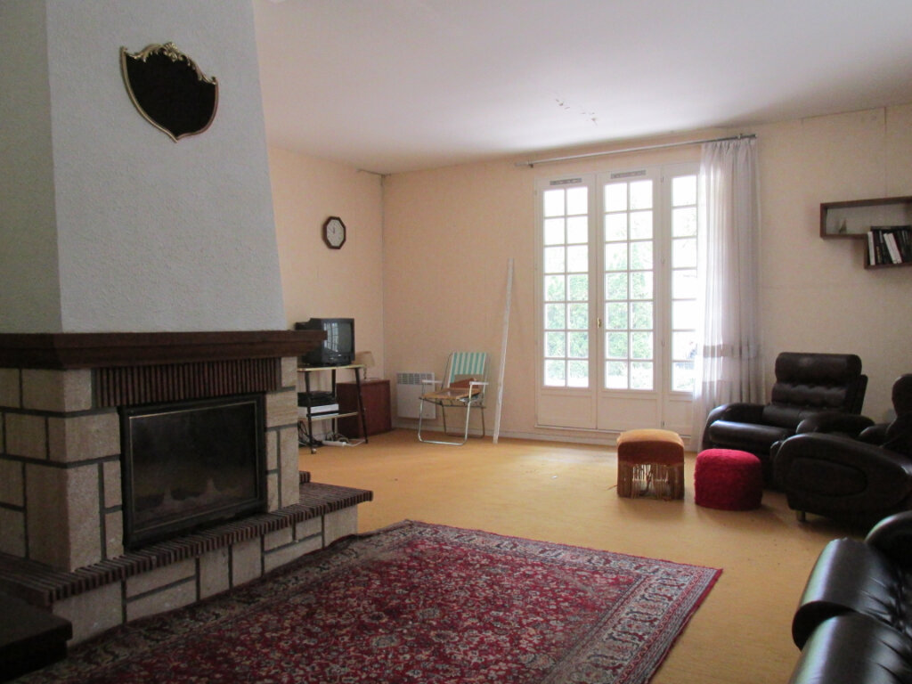 Maison à vendre 9 176m2 à La Selle-en-Hermoy vignette-6