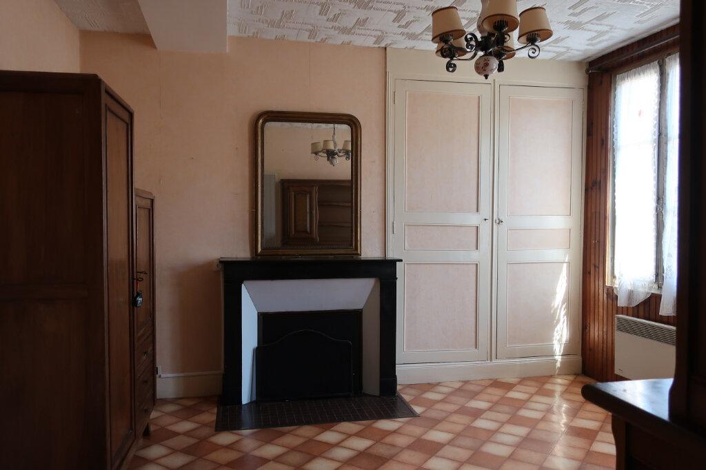 Maison à vendre 4 113m2 à Château-Renard vignette-2