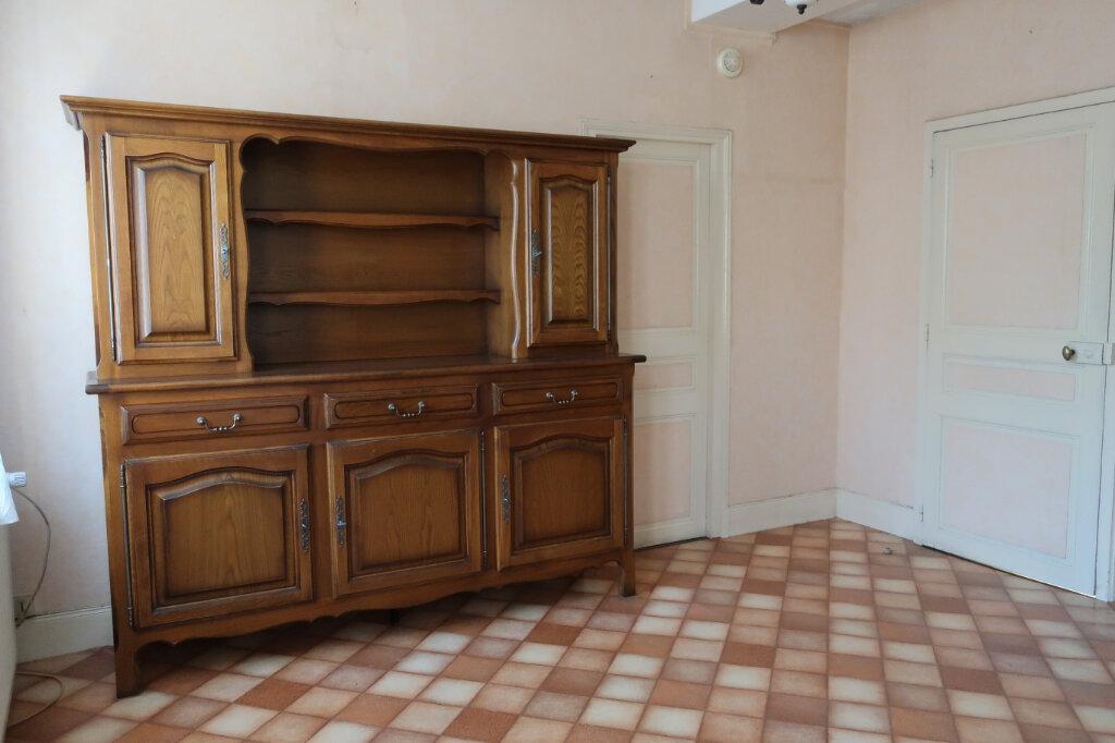 Maison à vendre 4 113m2 à Château-Renard vignette-3