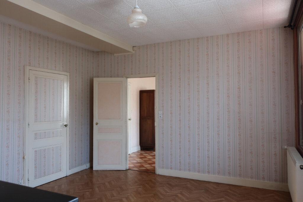 Maison à vendre 4 113m2 à Château-Renard vignette-5