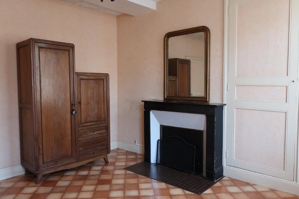 Maison à vendre 4 113m2 à Château-Renard vignette-6