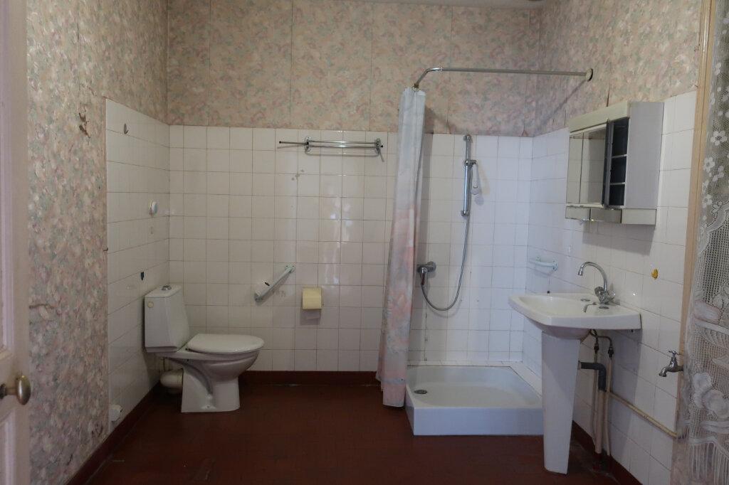 Maison à vendre 4 113m2 à Château-Renard vignette-8