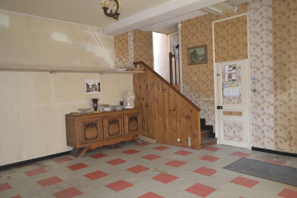 Maison à vendre 4 113m2 à Château-Renard vignette-9